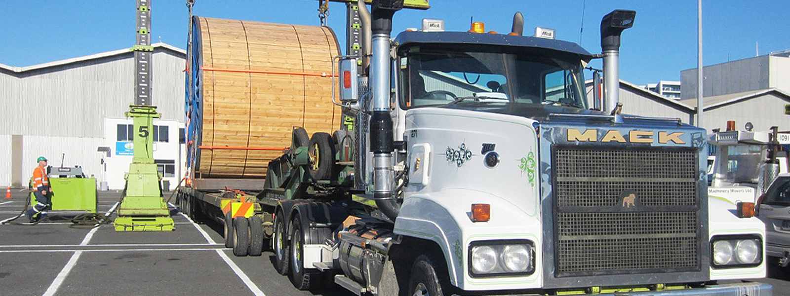 NAan New Zealand Truck with Cable Drum